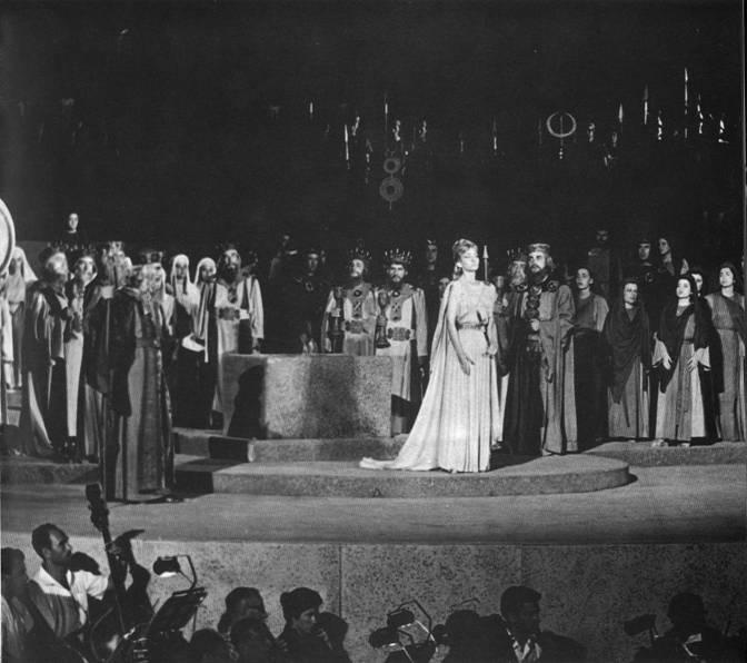 """La """"Norma"""" di Epidauro"""