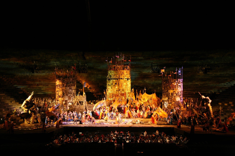 """Verona, Arena Opera Festival 2010:""""Il Trovatore"""""""
