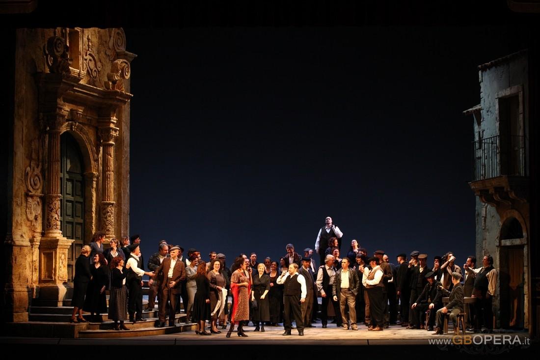 """Teatro Massimo Bellini di Catania:""""Cavalleria rusticana"""" e ..."""