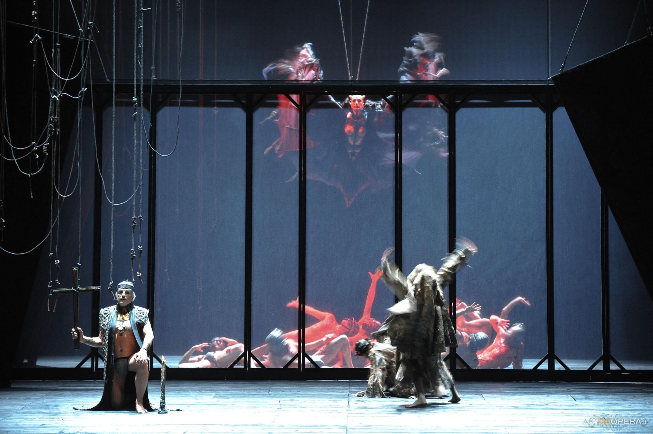 """Modena, Teatro Comunale:""""Macbeth"""""""