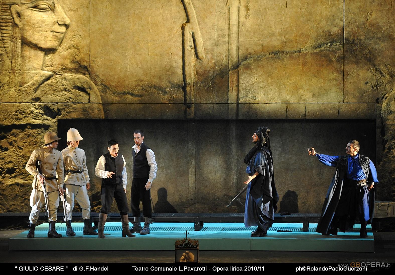 """Modena, Teatro Comunale:""""Giulio Cesare"""""""
