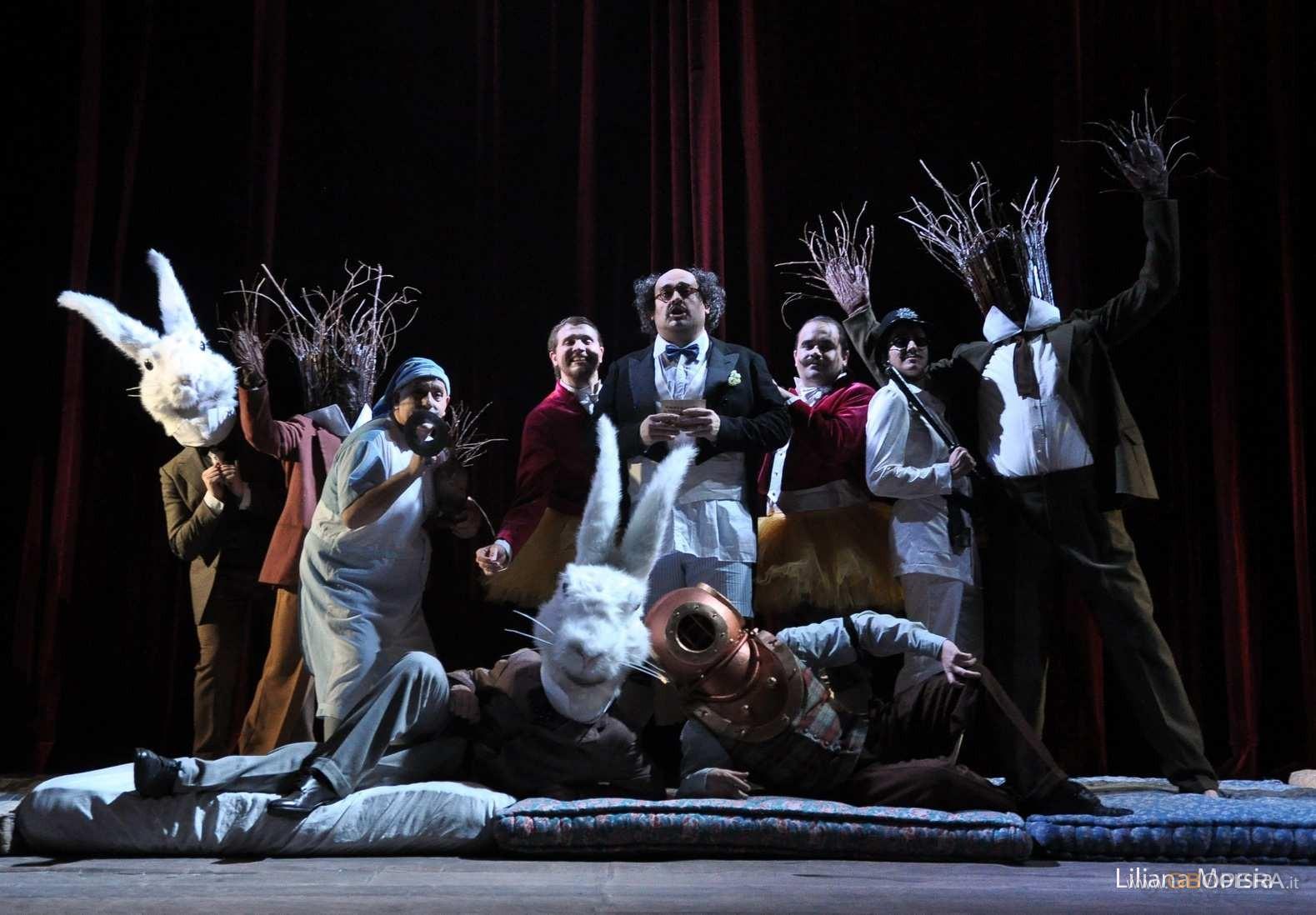 "Buenos Aires, Teatro Avenida: ""Il mondo della luna"""