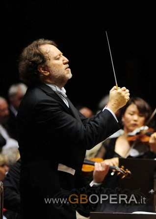 Riccardo Chailly conducts the 9 Beethoven symphonies