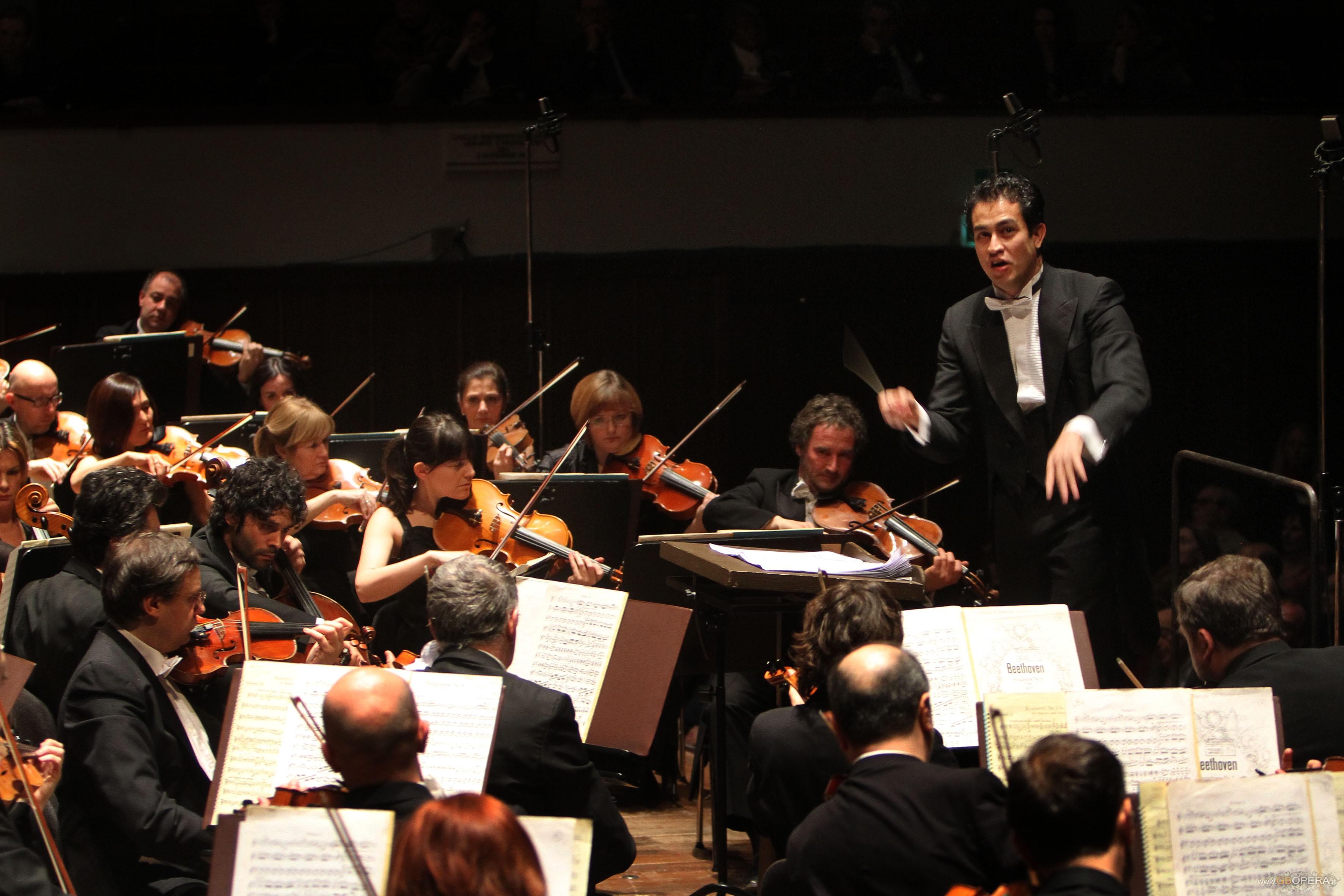 Firenze, Teatro Comunale: concerto diretto da Diego Matheuz e Daniil Trifonov al pianoforte