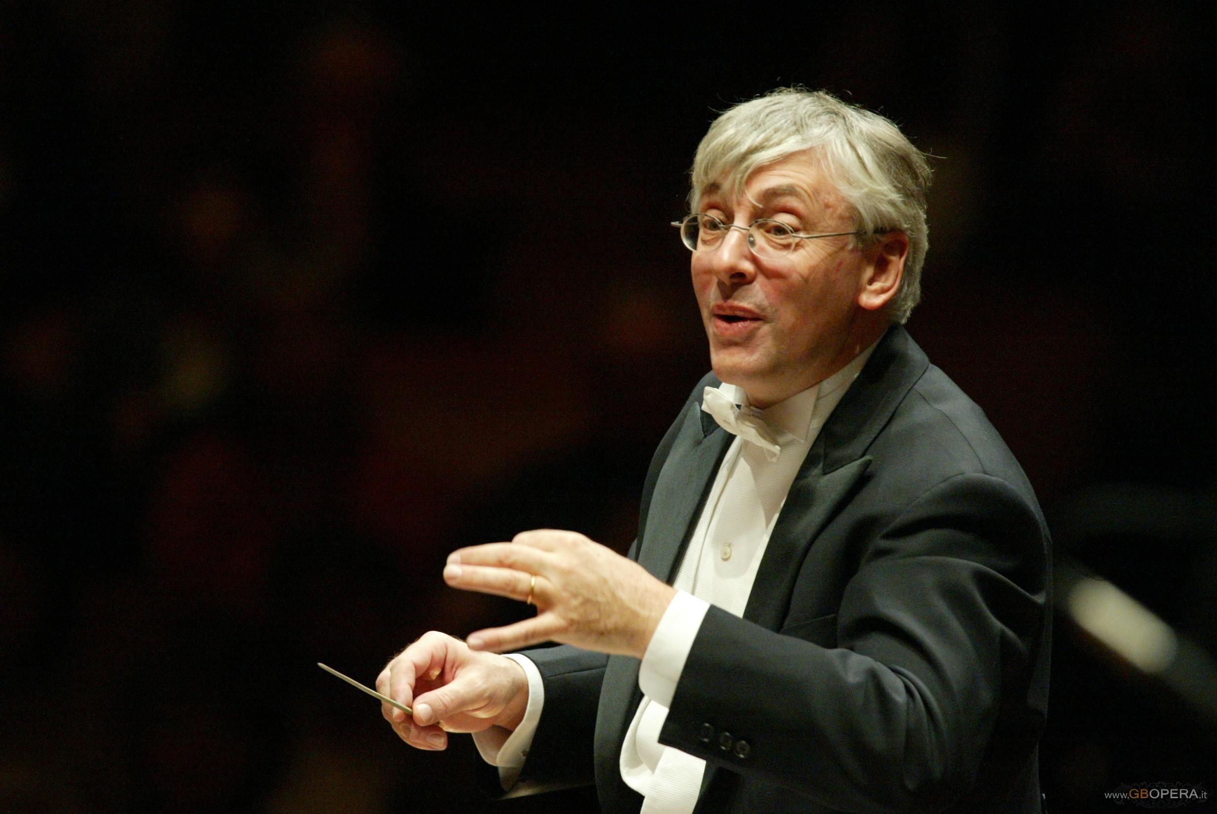 Venezia, Teatro La Fenice: Concerto sul nome BACH diretto da Mario Venzago