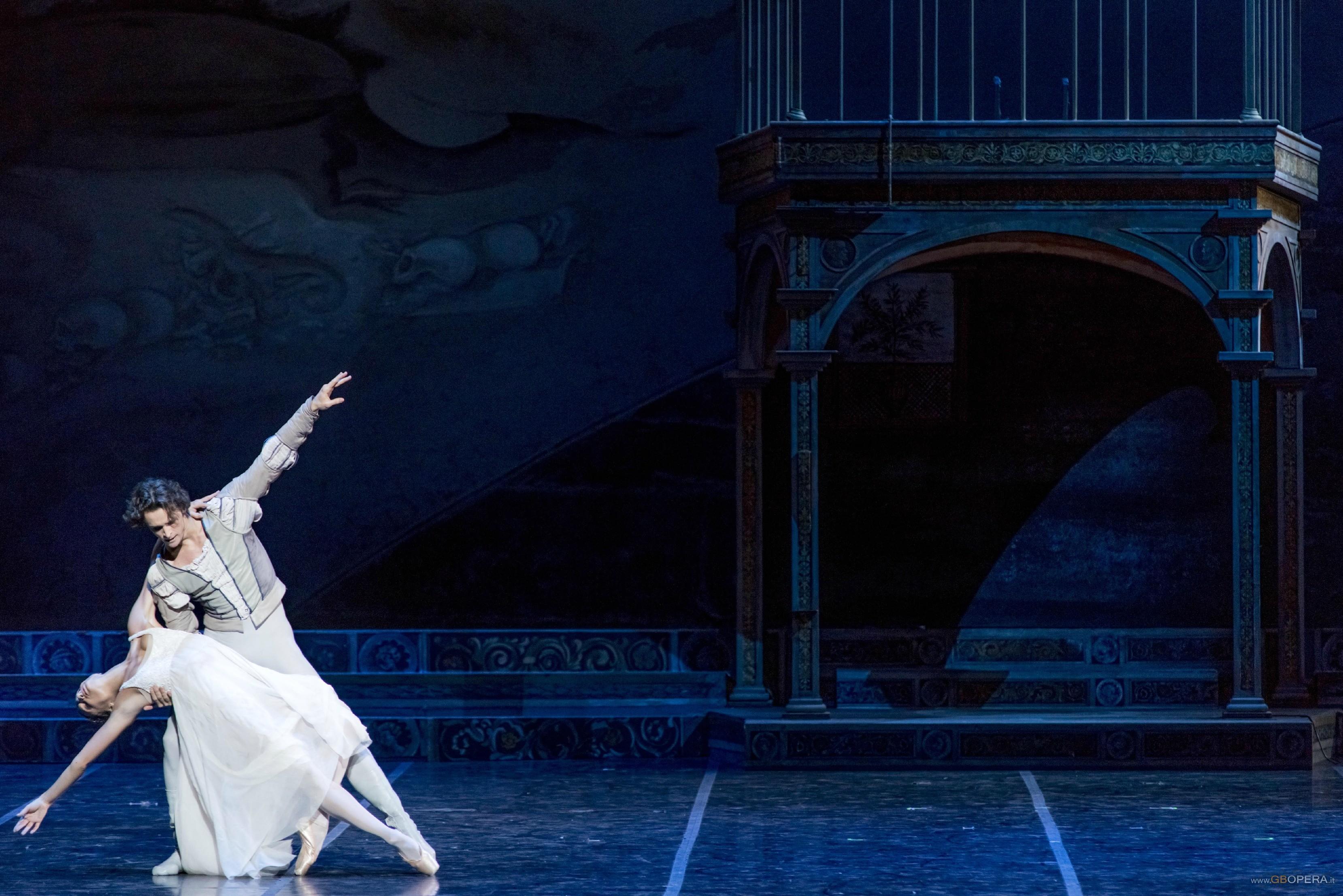 Matrimonio Tema Romeo E Giulietta : Opera di roma romeo e giulietta gbopera