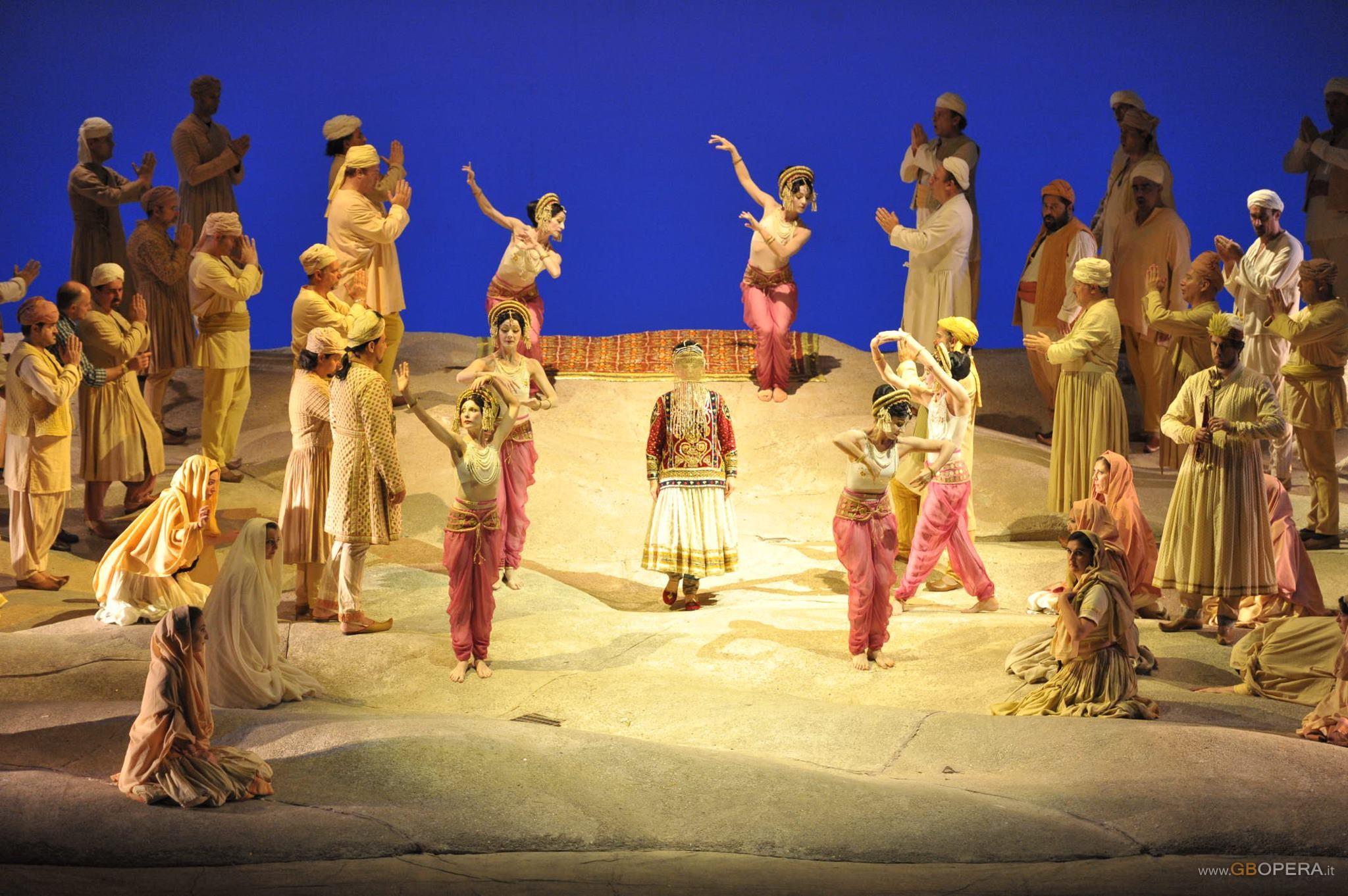 "Napoli, Teatro San Carlo:""Les Pecheurs de Perles"""