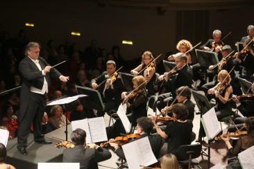 Roman Brogli-Sacher interpreta musiche di Colla, Brahms e Strauss
