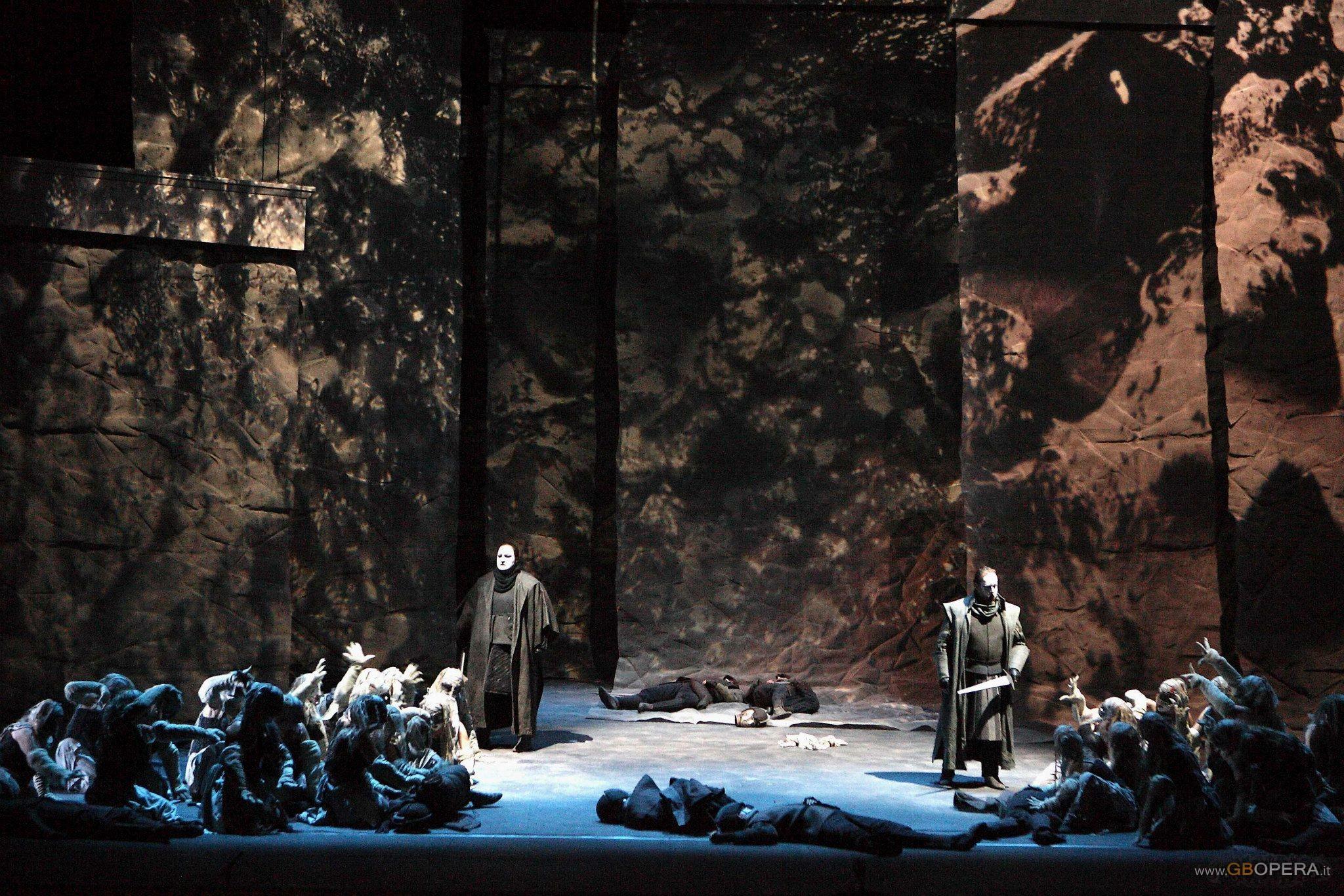 """Genova, Teatro Carlo Felice:""""Macbeth"""""""