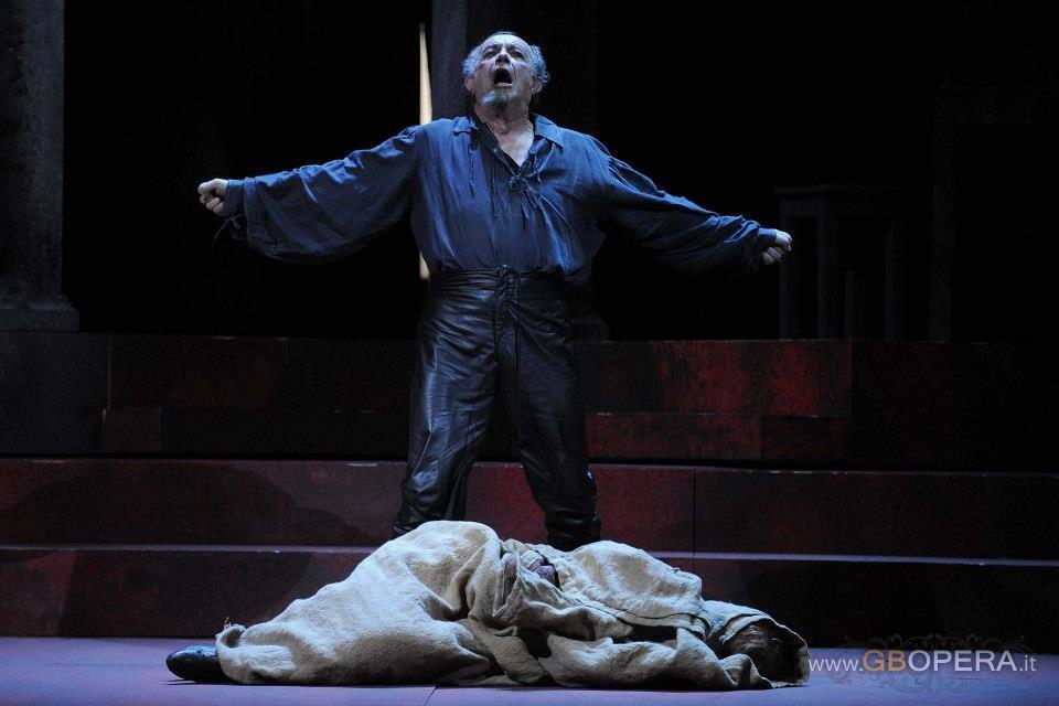 "Salerno, Teatro Verdi:""Rigoletto"""