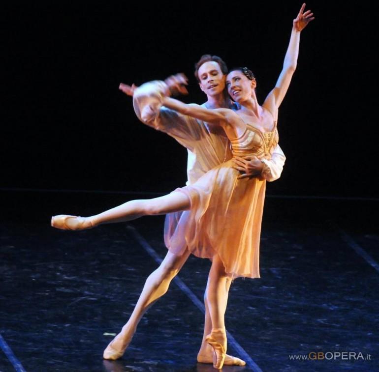 """Verona, Teatro Romano: """"Gala con i primi ballerini del Royal Ballet di Londra"""""""