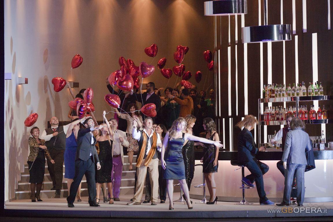 """""""Così fan tutte"""" al Teatro Lirico di Cagliari"""