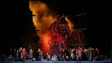 """Trionfano alla Scala """"Les Troyens"""" di Hector Berlioz"""