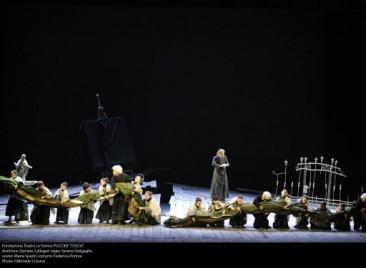 """La tradizionale modernità di """"Tosca"""" al Teatro La Fenice (cast alternativo)"""