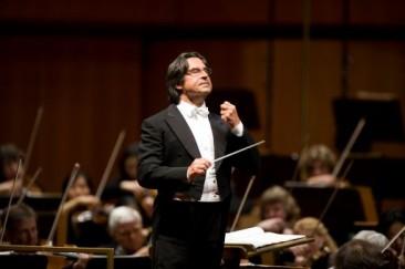 Riccardo Muti celebra  con il Maggio Musicale i 50 anni del suo debutto fiorentino