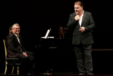 Bryn Terfel: Songs (and Show) at La Scala