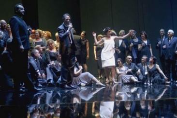 """""""La Traviata"""" inaugura la stagione del Teatro Coccia di Novara"""