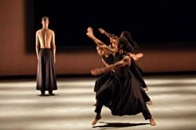 Akram Khan a Reggio Emilia con Kaash, ponte tra danza contemporanea e danza indiana