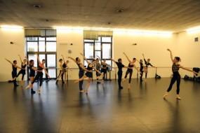 """Teatro Filarmonico di Verona: """"XX Secolo"""", trittico di danza sulle note di Schönberg, Stravinsky e Ravel"""