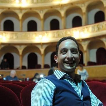 Dal palcoscenico al management: intervista a Simone Lolli