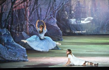 "Komische Oper Berlin: ""Cendrillon"""