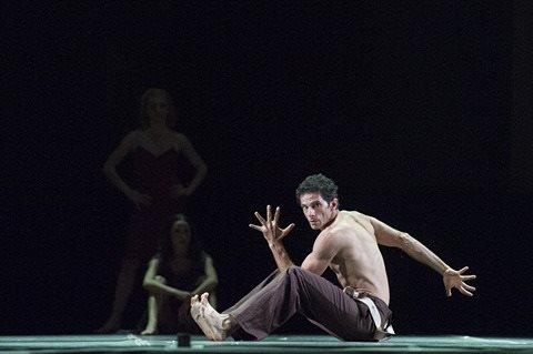 """Edmondo Tucci, Primo ballerino del Teatro di San Carlo: """"Bisogna far crescere ciò che si ha""""."""
