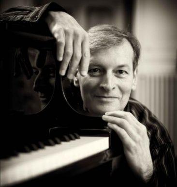 """Venezia, Palazzetto Bru Zane: il pianista Philippe Bianconi in """"E ora, si aprano le danze!"""""""