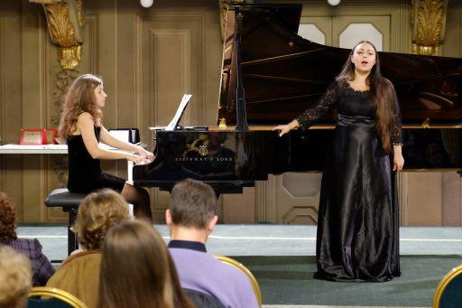 Alice ROSSI, soprano (Svizzera italiana) Giulia MAGLIETTI pianoforte