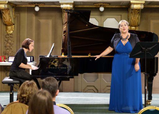Valentina VANINI, mezzosoprano Giuseppina CONI, pianoforte