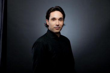 Venezia, Teatro La Fenice: il direttore Henrik Nánási e il violinista Giovanni Andrea Zanon, protagonisti dell'ultimo concerto della Stagione Sinfonica