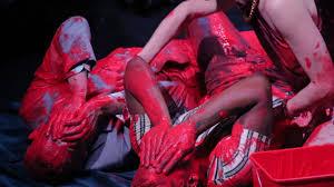 """Esperimenti coreografici di """"La Ribot"""" a Madrid"""