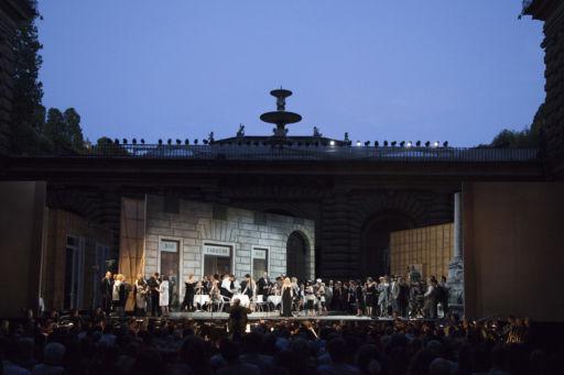 """Opera di Firenze: """"La Traviata"""" nel cortile di Palazzo Pitti"""