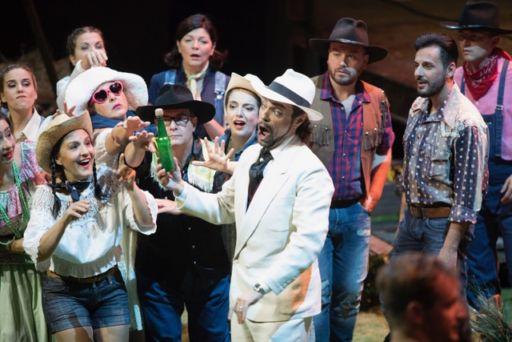 """Firenze, Teatro del Maggio Musicale Fiorentino: """"L'elisir d'amore"""""""