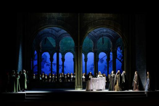 """Teatro Petruzzelli di Bari: """"Il Trovatore"""""""