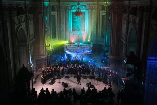 """A Napoli trionfa il Coro del """"That's Napoli Live Show"""" di Carlo Morelli"""