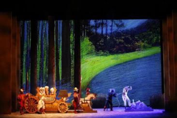"""Bari, Teatro Petruzzelli: """"Il gatto con gli stivali"""""""