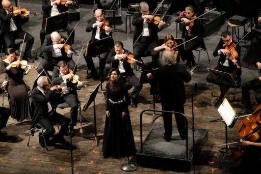 Verona, Teatro Filarmonico: Gustav Kuhn & Maria Radoeva in concerto