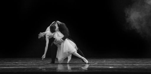 """Bari: """"Serata Romantica"""" di Fredy Franzutti e il Balletto del Sud"""